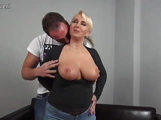 Glum big breasted German mom fucking young varlet
