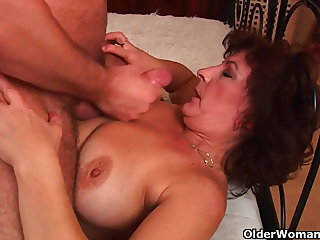 Grandma everywhere fat Bristols and hairy pussy gets facial