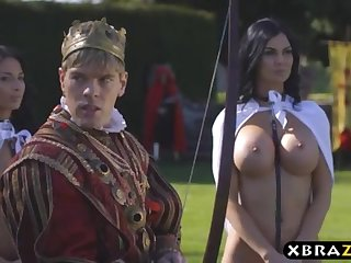 King romps his buxom dissolutely servants Jasmine and Anissa