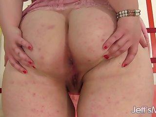 Phat Ass Teen BBW Sapphire Rose Pleasures Herself nigh a Dildo and Vibrator