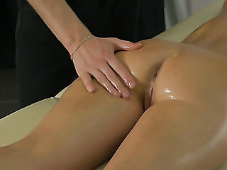 Splendid natural girl Ariana Jollee gets horny during kneading plus gives head