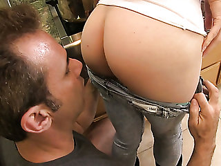 Extremely rough MFF threesome is the only give ground satisfy India Summer